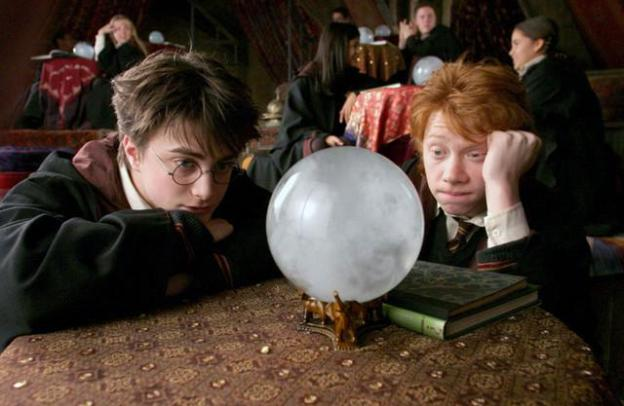 Harry and Ron predict fog in Divination Class